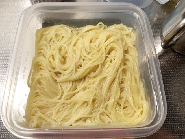 レンジでスパゲッティをゆでる