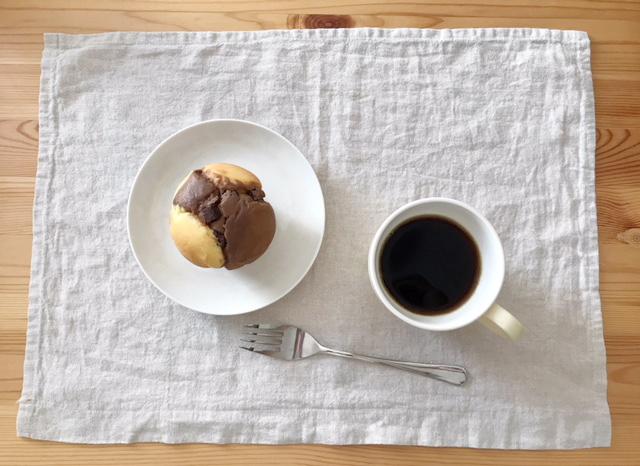 セブンイレブンのマフィンとコーヒー
