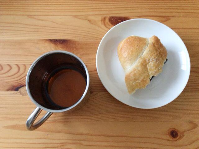 板チョコ挟みパン